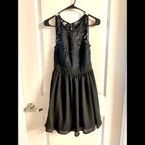 Lulu's Black Midi Dress
